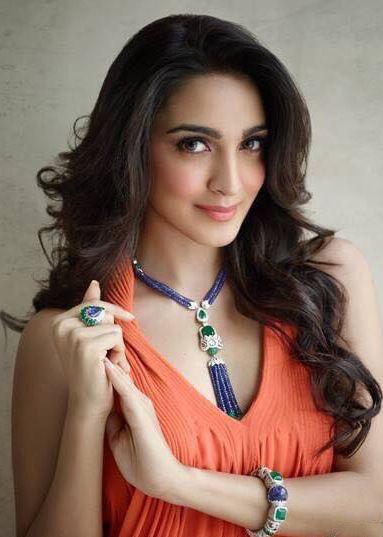 Valuable beauty hacks by Kaira Advani at https://www.estrolo.com/celebstyle/beyond-beautiful/   #EstroloExclusive #KiraAdvani  #Celebrity #EstroloFashion #Bollywood