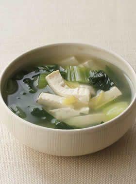 チンゲン菜と豆腐のしょうがスープ