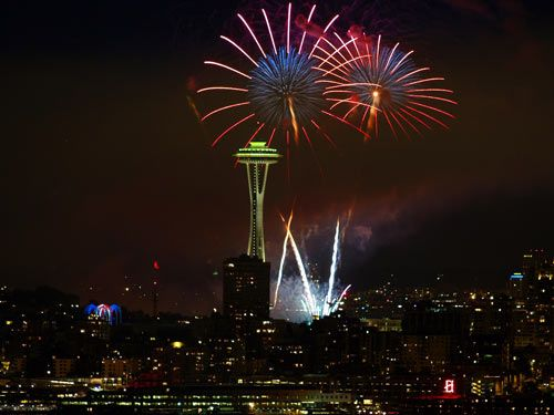 FireworksSpaces Needle, Seattle Fireworks, Favorite Things, Favorite Places, Families 4Th, Fourth Of July, Seattle 4Th, 4Th Of July, Families Vacations