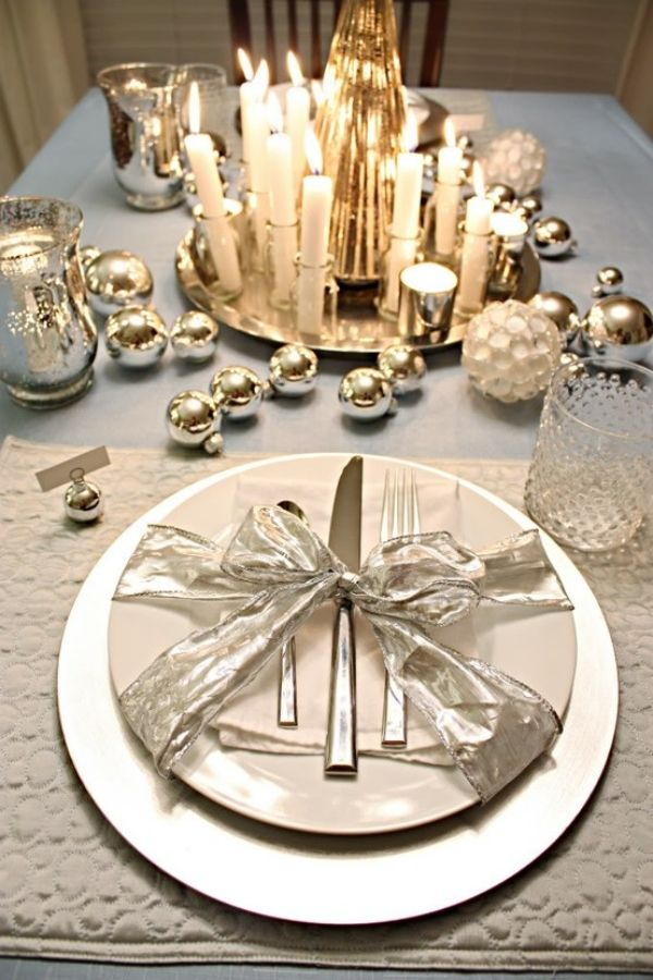 Silver christmas set the table please pinterest for Christmas table place setting ideas