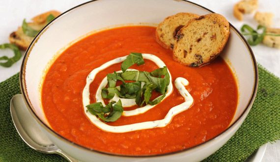 Sopa de tomates y zanahorias al azafrán