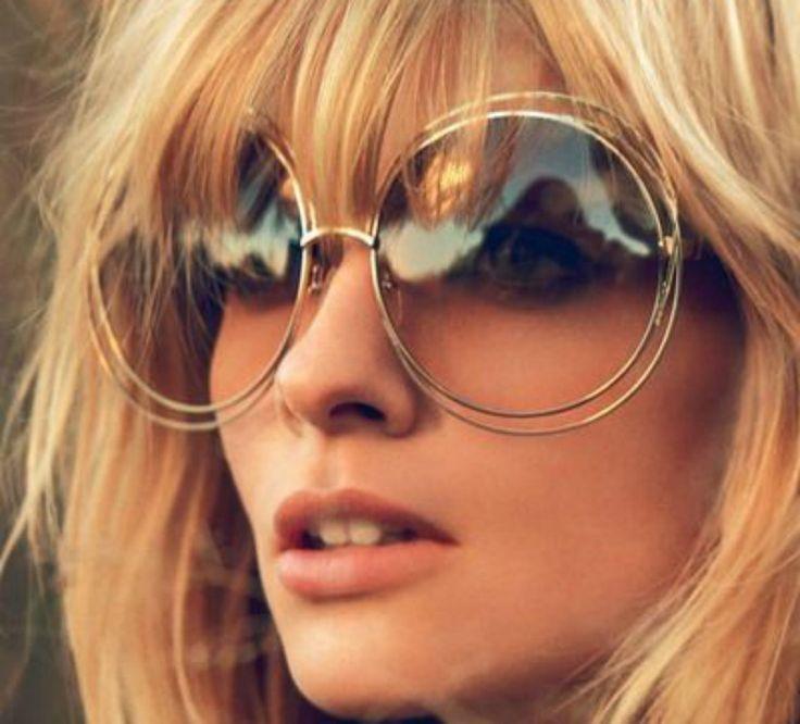 Moda anni 70: il 2015 celebra il revival degli anni Settanta, con rivisitazioni che accostano gli stilemi tipici di quegli anni a materiali attuali.