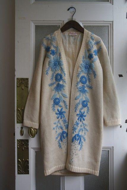 USA70's Vintage☆《ガウンスタイル》Flower刺繍ニットコート(Ivoly×Light Blue) - 古着・雑貨の店「かるた」