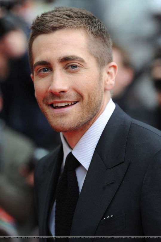 Jake Gyllenhaal In 2019 Short Hair Styles Boy Haircuts
