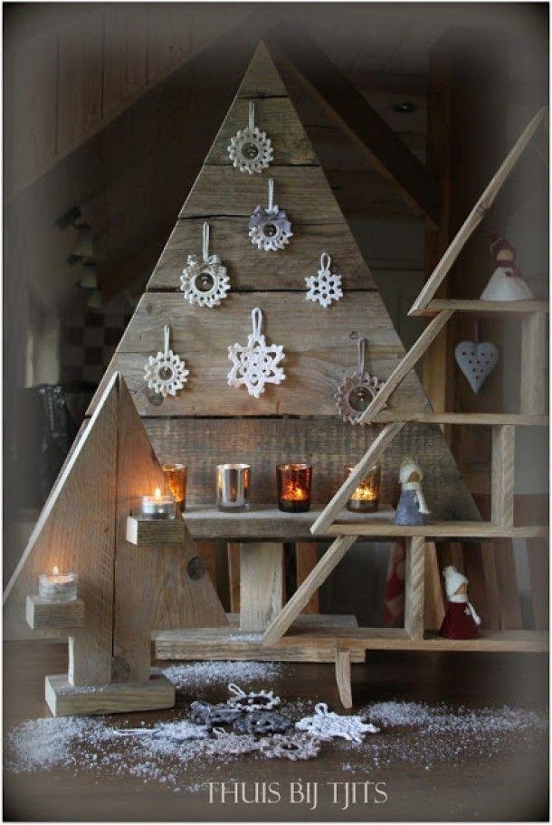 steigerhouten kerstboom . Door elsie