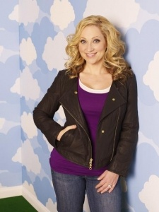 """BA-BAM.  The best tv mom.  Leigh Allyn Baker is hilarious and plays the mom in """"Good Luck Charlie""""."""