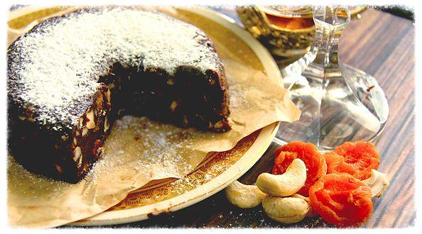 Vegan Panforte, with cashews & apricots. Get the recipe here: http://www.theroadnottaken.com.au/#!cashew--apricot-panforte/cifq