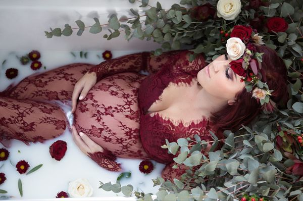 Gorgeous milk bath photo from mom-to-be, ChenelKruger!