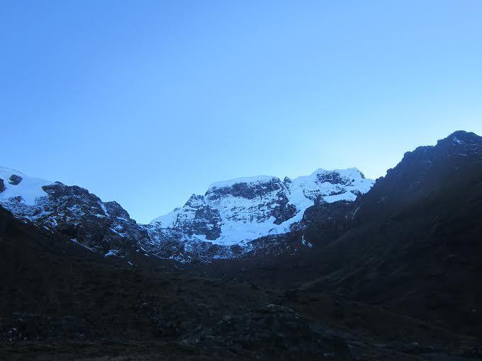 La  ruta inca comprende Carabaya – Ayapata - Ollachea y Corani. El recorrido turístico comienza con  el nevado de Allincapac.