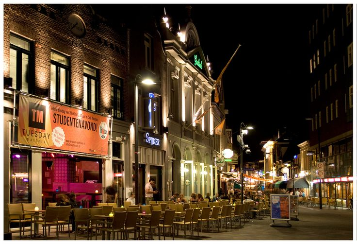 Stratumseind Eindhoven Cafes by night