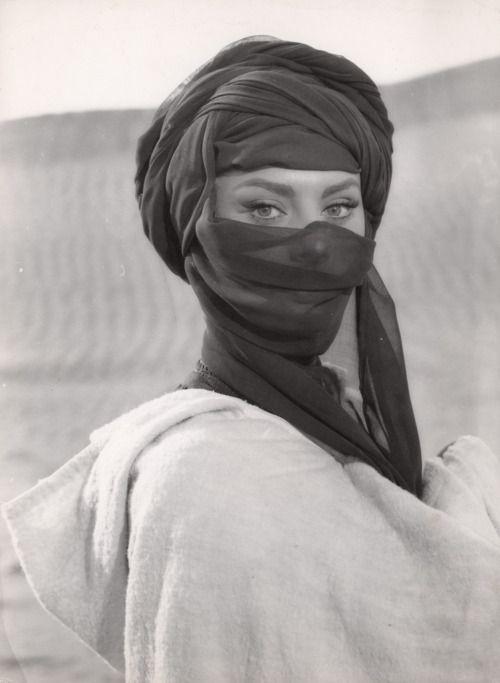 sophia loren veil