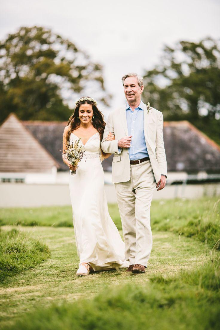 #brautkleid Nachhaltig 'grüne' Hochzeit mit rustikalem Flair und Tipps für eine umweltfreundliche Feier | Hochzeitsblog - The Little Wedding Corner