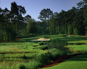Play golf at Pine Needles in North Carolina, It offers the opportunity to play golf the way it was meant to be played. The traditional Donald Ross course meanders through the rolling hills and longleaf pines of the Sandhills area. This peaceful setting still challenges golfers of all skill levels