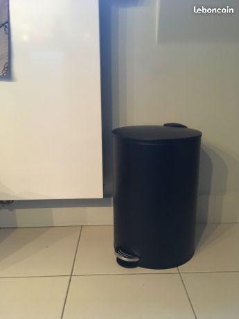 Les 25 meilleures id es de la cat gorie poubelle cuisine sur pinterest etagere separation le for Poubelle cuisine l gifi