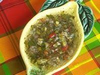Très utilisée aux Antilles pour relever le goût des aliments grillés au barbecue (viande, poisson, langouste ...). Les ingrédients sont fac...