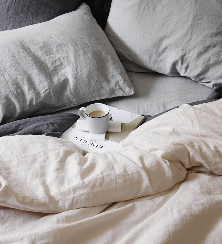 - Our sheet sets are made from 100% linen woven from European flax, pre-washed for softness and durability - Set includes: 1 Linen Fitted Sheet, 1 Linen Flat Sheet and 2 Linen Standard pillowcases - E