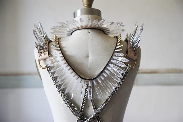 Increíbles las creaciones de Lauren Tennenbaum para su marca (in) Decorous Taste en www.rubiamala.com