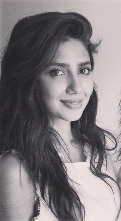 Like her the most .😁😁😁😁😁😁😁😁😁😁😁😁#Mahirakhan