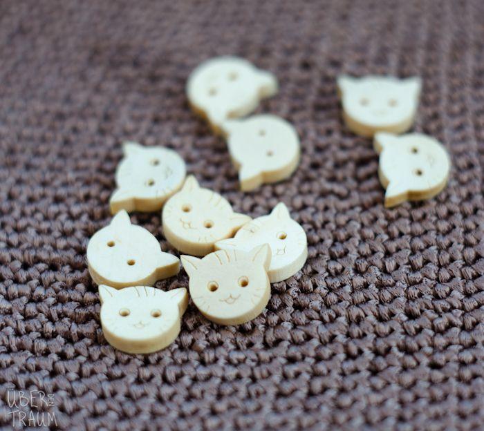 Wooden Cat Buttons - 10mm - Über den Traum