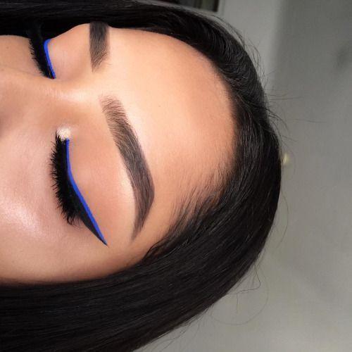 Navy Blue Eyeliner
