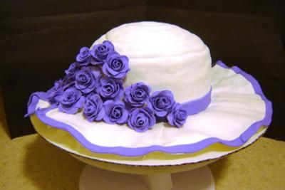 Kentucky Derby Bonnet Cake @Jillian Kilian. Go ahead and make this for Derby Day. Thank youuuuu.