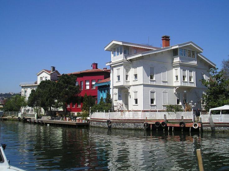Beykoz - Wodden houses
