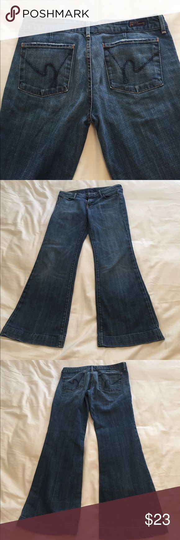 🎉Final Sale! Citizens for Humanity Faye 003 These are a shorter leg, not regular length, Low Waist Full Leg jeans. Flare out at ankle, would make cute clam digger cuffed for normal height as well Citizens Of Humanity Jeans Ankle & Cropped
