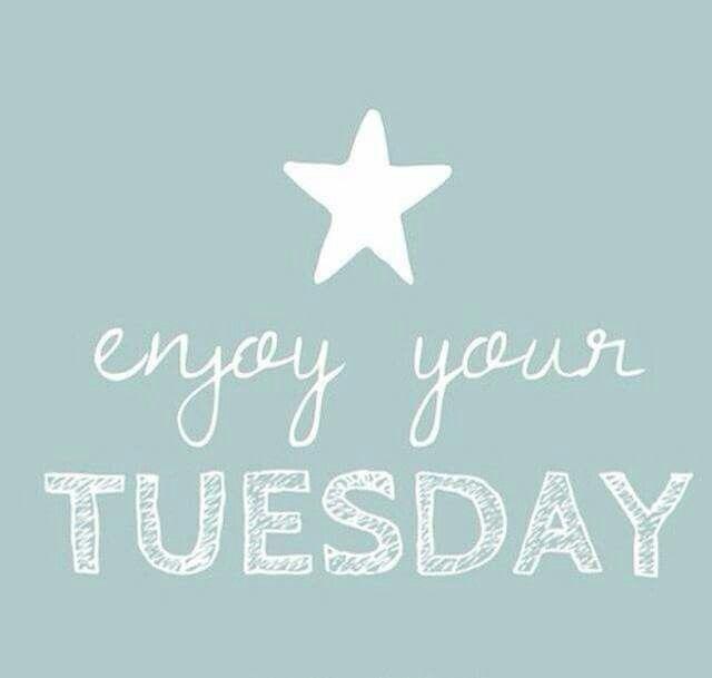 Mañana es martes! Te amo como no puedo hablar contigo te pineo..