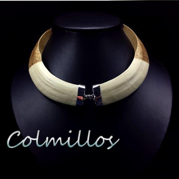 Os presentamos nuestra colección de joyas de colmillos de imitación a Jabalí montados en plata de ley 925. Piezas realizadas totalmente a mano.
