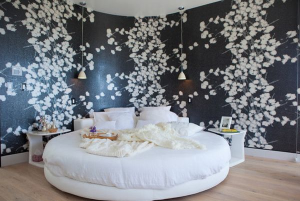 I love the backdrop to this bed. Curved walls with lifelike nature print....