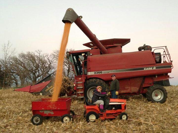 Case ih on pinterest tractors international harvester and harvester