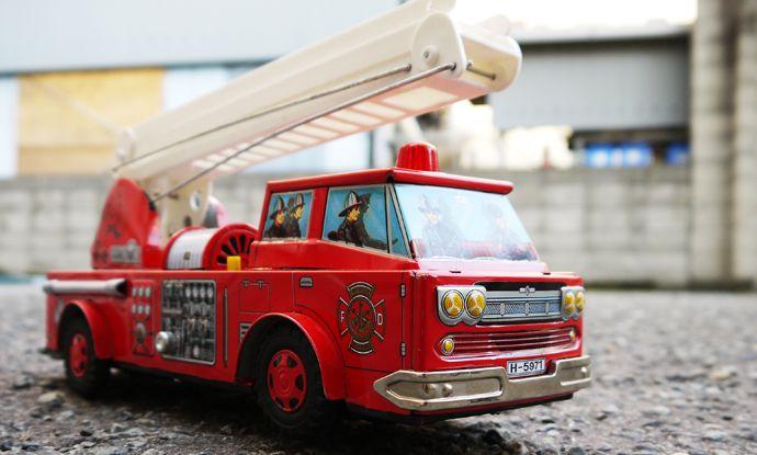 1960s-70s 堀川玩具工業製 ブリキの消防車 外箱付き