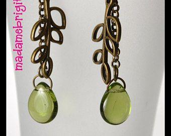 Boucle d'oreilles pendentif vertes et laiton antique pendant metal beads
