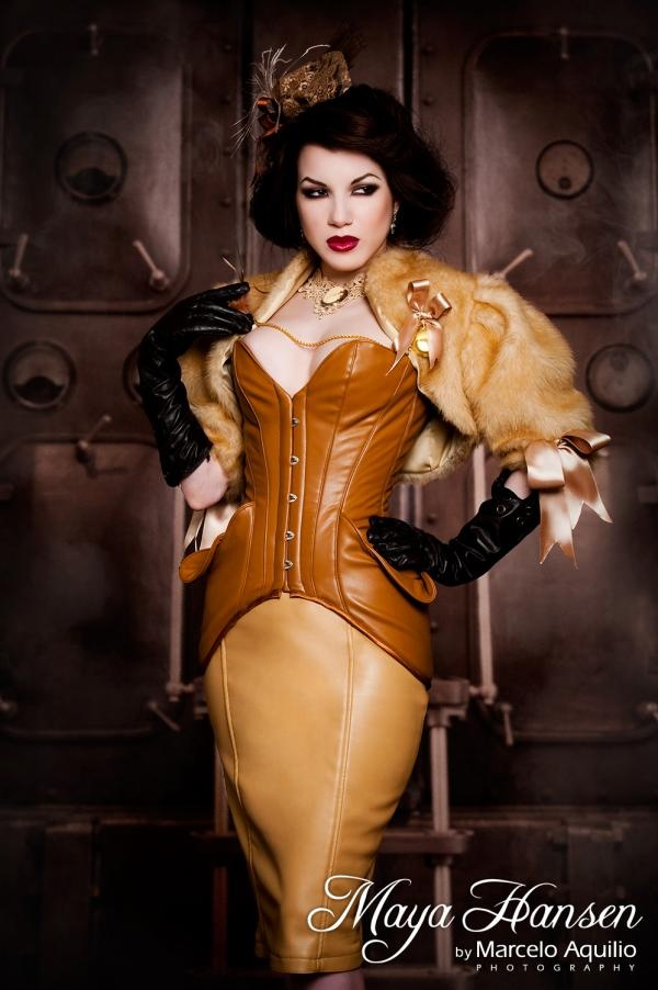 Vanilla steampunk outfit by Maya Hansen. Model Morgana. Photo Marcelo Aquilio. February 2010.
