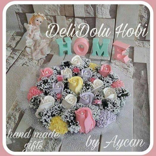 Öğretmenler günü hediyemiz hazırlandı bile 😍Ne yapsak Emeklerini ve haklarını ödeyemeyiz onların ❤  Kokulu taslardan özenle hazırladığım çiçek arajmanim. Nişan ve kız isteme merasimlerinizde yada evinizi dekore ederken kullanabileceğiniz ömürlük bir hediye #happyteachersday #ilovemyteacher #teacher #kokulutas #cicek #kokulutassusleme #flower #rose #smellgood #stone #pink #yellow #homedecor #myflowers #evim #hediye #home #gift #handmade #izmit #love #kizisteme #yenigelin #guzelevim…