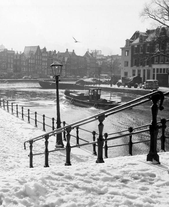 """Snowy Groenburgwal"" Amsterdam 1953. photo: Kees Scherer"
