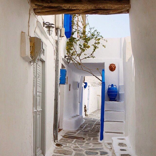 Amazing Cycladic alley in old town of Kastro , at Sifnos island (Σίφνος) ❤️. Very beautiful cliff-top village , it offers a fascinating panoramic view of the Aegean Sea . Perfect White & Blue !