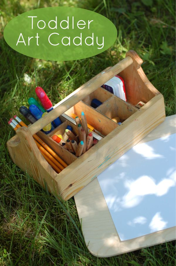 Toddler Art Caddy - includes ideas for materials. Love the idea of loading them up and letting them go at it, especially outdoors. This blog has many other ideas for toddlers. (Reggio & Montessori Inspired)