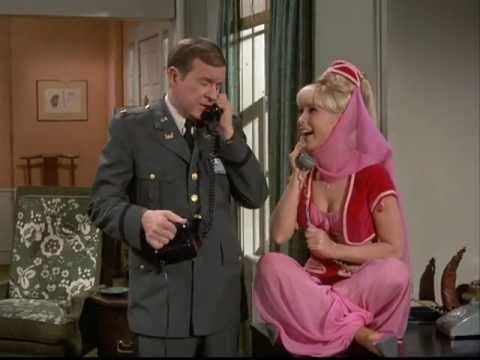 Bezaubernde Jeannie - Barbara Eden & Larry Hagman 1960er Kult TV Serie - YouTube