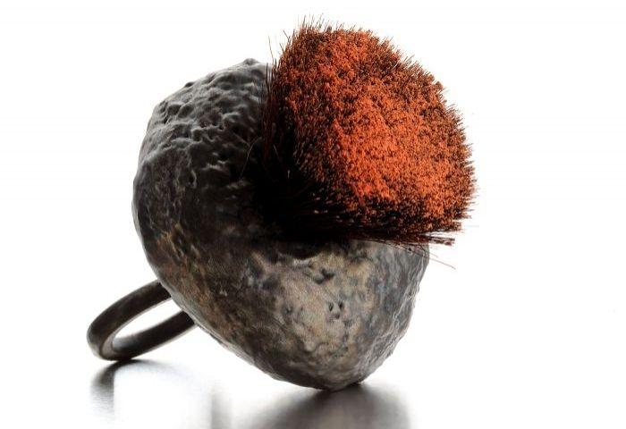 Corrado de Meo - Anello Blush - brush argento elettroformato, ossidi e pennello da trucco