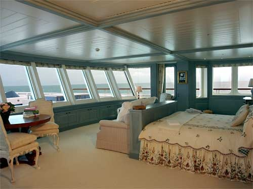 What a view in this yacht bedroom!