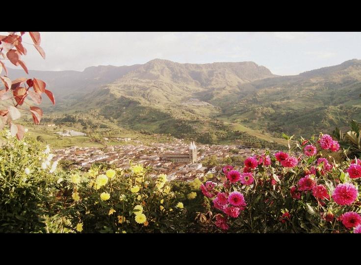 Un verdadero jard n jard n antioquia colombia for Antioquia jardin