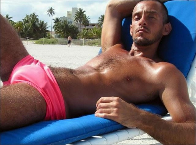 Show off your bulgePink Speedo, Bulge Speedo Gallery Com, Show Off, Neo Bulge, Pink Punk, Undies Speedo, Men Swimsuits, Speedo Guys, Men Speedo