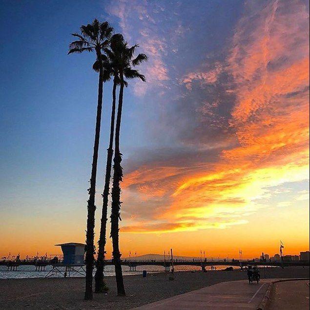 Woah amazing sunset! #cyrcaoriginals #cyrcaoriginalsshirts #streetwear #tee #tshirt #hoodie #fashion #sunset #la #losangeles  Photo by @abc7la #abc7la