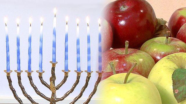 Hanukkah Apples Linda Quinn from the New York Apples Association disccuses how to use apples to celebrate Hanukkah this year. http://www.monkeysee.com/play/26131-hanukkah-apples