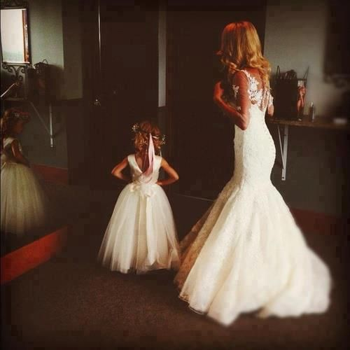I want my daughter , future step-daughter and I to take a pic like this on my wedding day