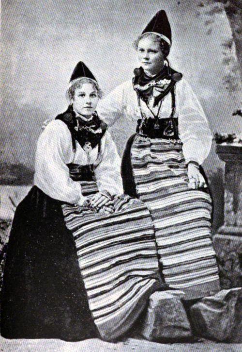 ancestral costume