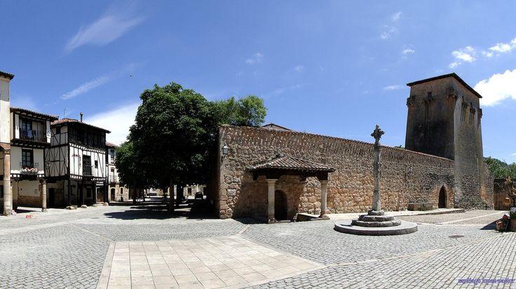 """CASTLE OF SPAIN - Torreón del Conde Fernán González, Covarrubias, Burgos. Fernán González construyó este Torreón sobre otro anterior de orígen romano. El objetivo de su construcción, fue defender el vado del río Arlanza a su paso por Covarrubias, e impedir que las """"racias"""" musulmanas llegaran al corazón del Condado de Castilla, el Señorío de Lara, controlar la frontera con los musulmanes, y la ruta hacia el Reino de Navarra."""