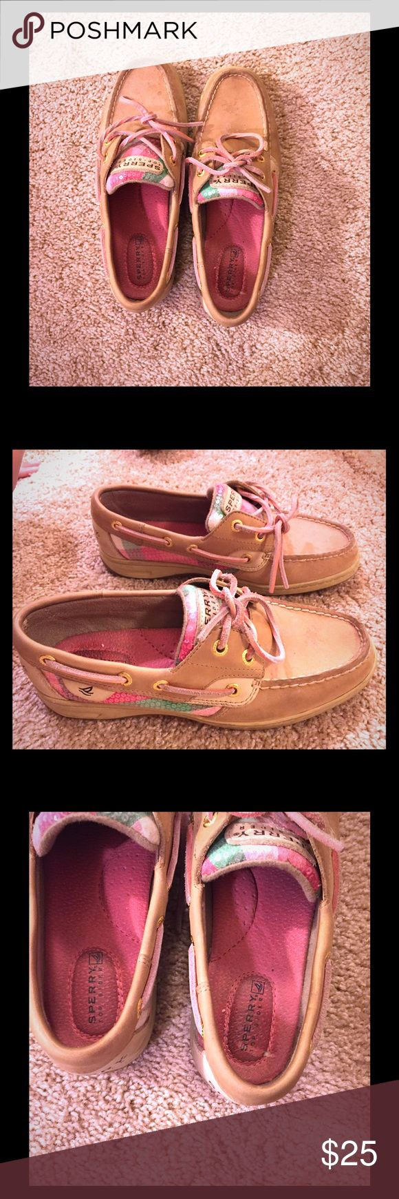 SALE ❣️❣️sperry shoe❣️❣️ ❣️❣️pre-loved. Still in good condition 👍🏻❣️❣️💋 Sperry Top-Sider Shoes Flats & Loafers
