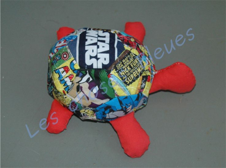 Marvel / star wars turtle hand sew  http://leschosesbleues.blogspot.com/2014/10/une-tortue-marvel-turtle.html